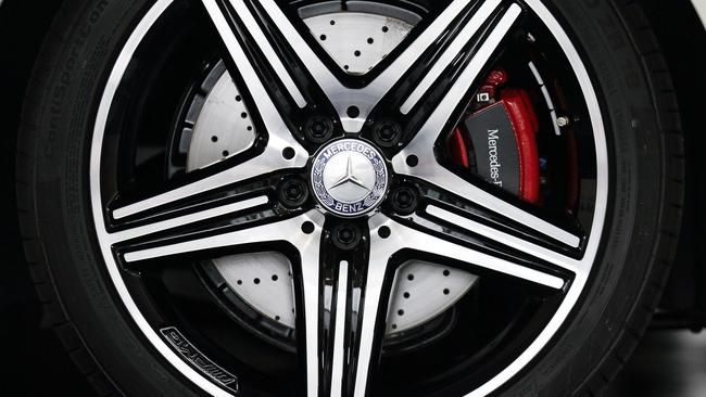 Deflated by run-flats, a Mercedes owner packs a full-size spare these days