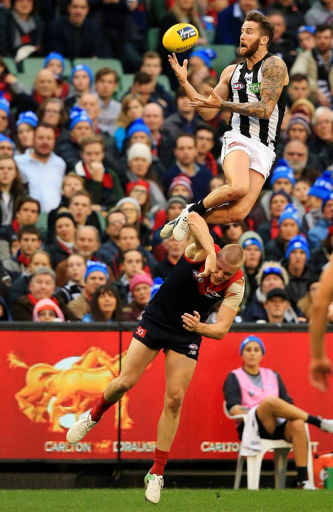 Jeremy Howe's incredible mark over Tom McDonald. Picture: Mark Stewart