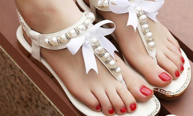 Mum ordered sandals online but received male jockstrap Kidspot