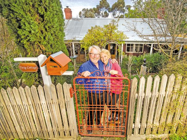 Peter and Janet Veenhuizen downsized to a cottage in Maldon, Victoria.