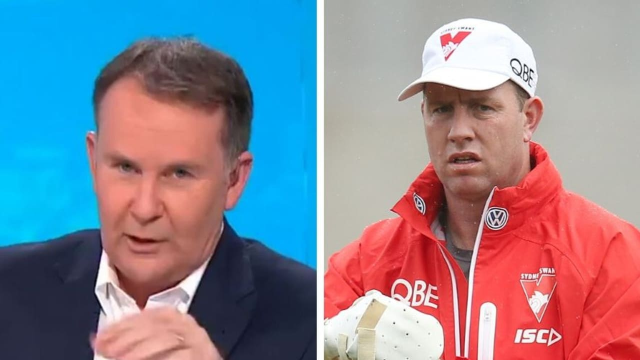 Veteran reporter Tony Jones wanted to apologise to AFL great Steve Johnson for a slip of the tongue, but things quickly got awkward.