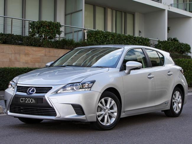 Lexus CT200h: About $6500 off — and even bigger savings on larger models