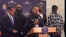 US CA: Rappers Snoop Dogg, The Game Confront LAPD on Police Brutality July 08