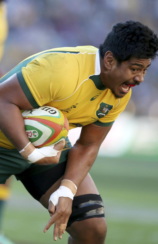 Will Skelton charges to the tryline to score a try for the Wallabies.