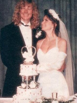 Her 1993 wedding to Robert 'Mutt' Lange.
