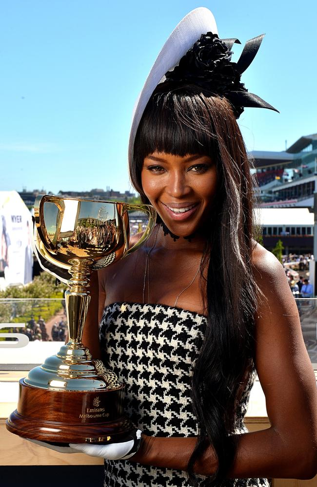 She may have been late, but Naomi Campbell really worked it when she arrived.