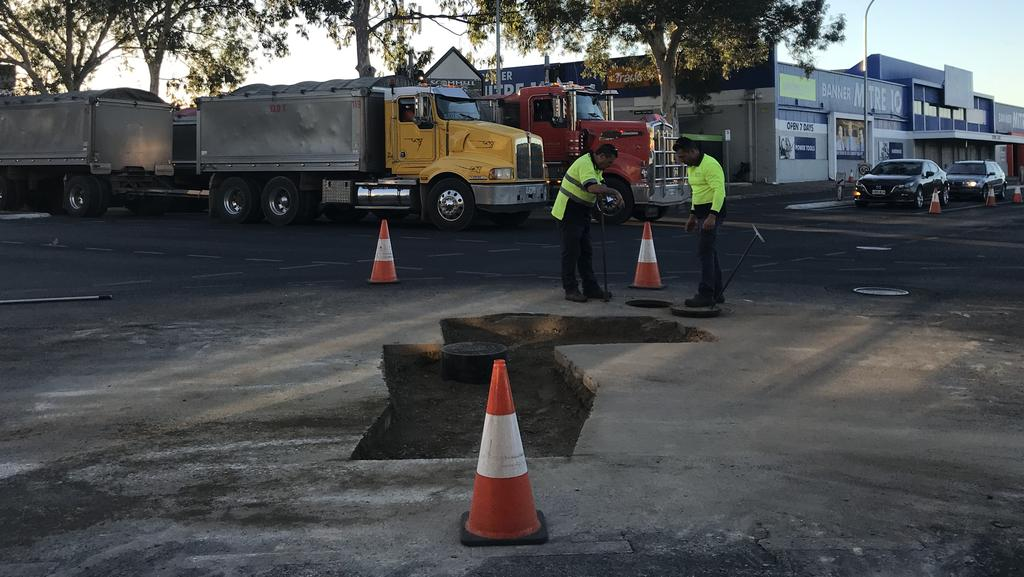 SA Water Crews Working To Resurface The Road At Payneham Intersection Picture Katrina