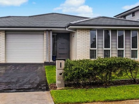 This home in Amarco Circuit, The Ponds is less than a 10 minute walk to Tallawong Station. It sold for $885,000 last November