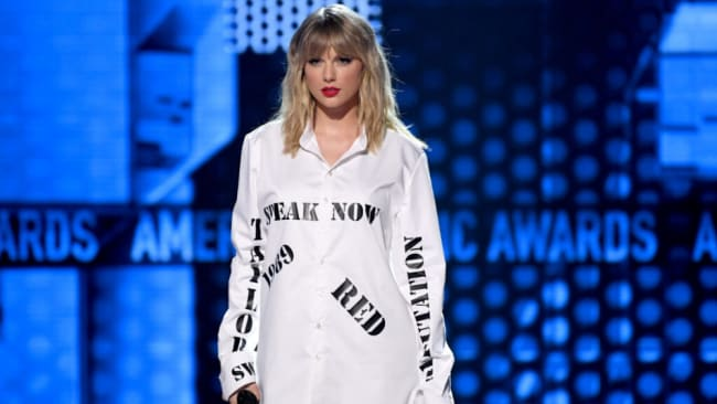Taylor Swift slayed and threw shade at the AMAs. Source: Getty Images