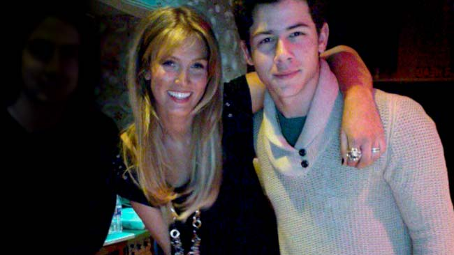 Nick jonas dating in Sydney