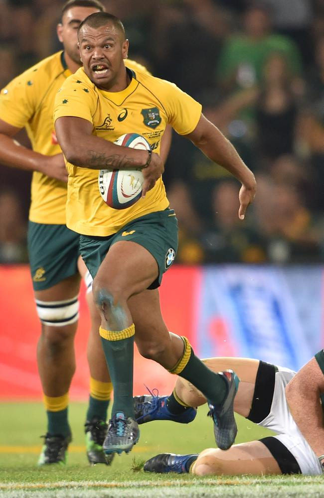 Kurtley Beale of the Wallabies charges upfield against South Africa in Bloemfontein.