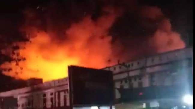 Fire Breaks Out At Renteng Market After Deadly Indonesian Earthquake