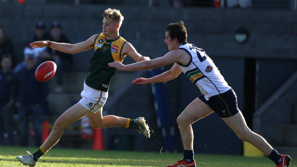 Victorian Amateur Football Association: Old Carey thumps Mazenod to hold  top spot in Premier B