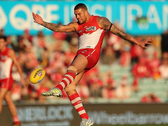 Buddy Franklin suffered an early blow.