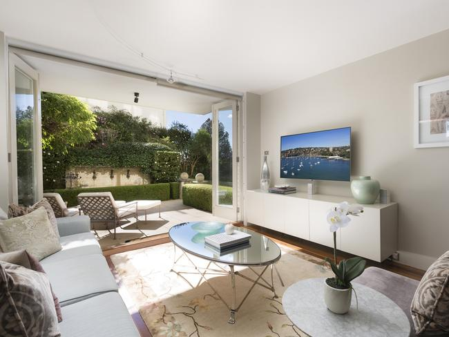 1/16-18 Eastbourne Rd, Darling Point, sold for $1.7 million