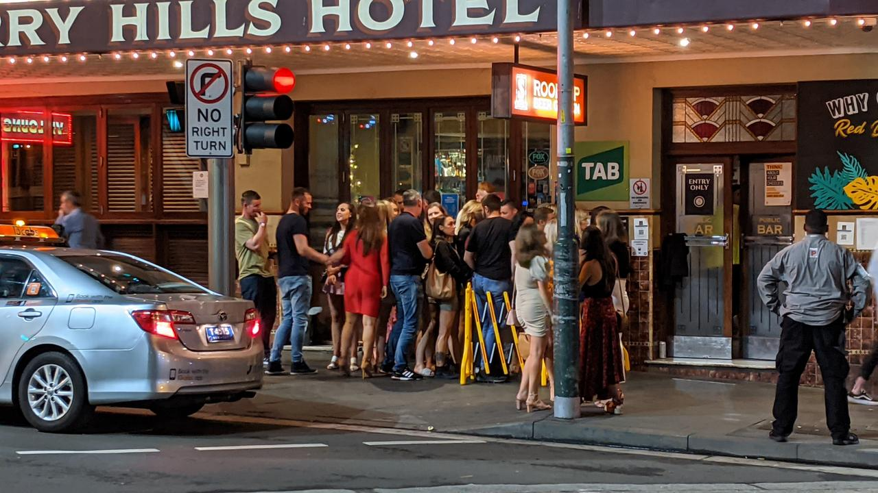 NSW Health adds pubs restaurants in Sydney's inner city to COVID-19 watchlist – NEWS.com.au