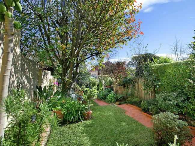 No. 174 Johnston St, Annandale, has a nice garden.