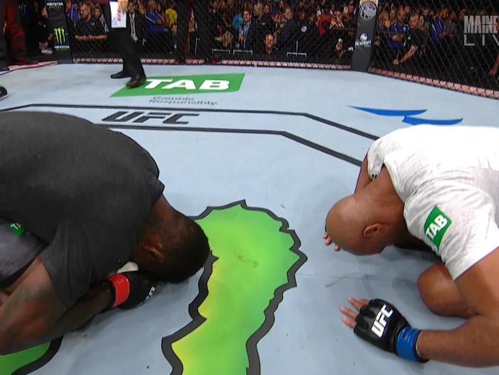 Israel Adesanya and Anderson Silva with a post-fight show of respect.
