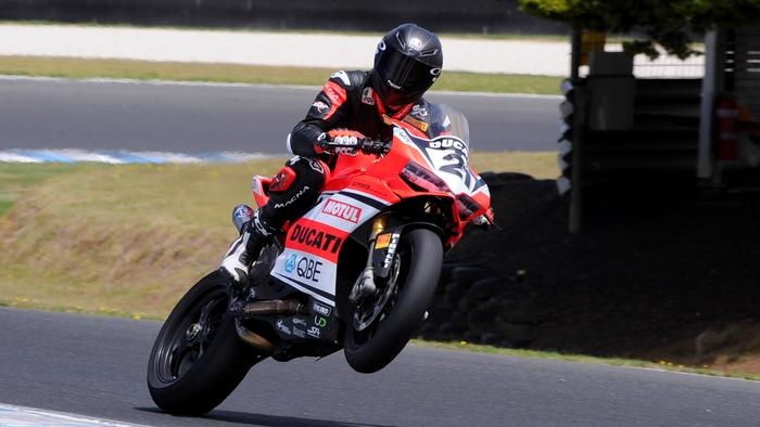 Troy Bayliss plays it up at the ASBK test at Phillip Island in Feb 2018. Pic: Russell Colvin.