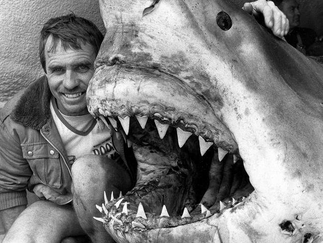 Vic Hislop and a 7m white pointer shark caught off Phillip Island in 1987.