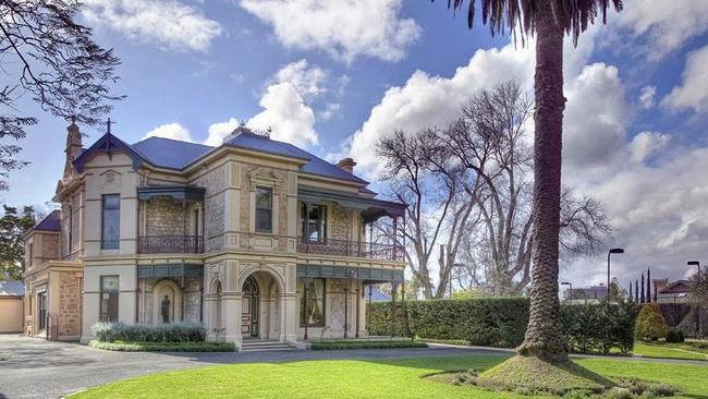 9 Edwin Tce, Gilberton sold for $7 million.