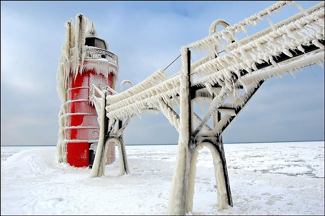 Ice covered lighthouses of Lake Michigan, USA. Picture: Tom Gill