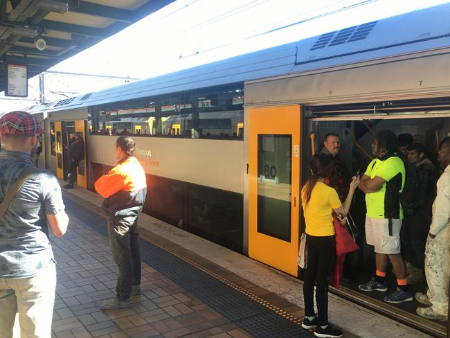 Crowds of commuters stuck at Central railway station. Picture: Jack Breed
