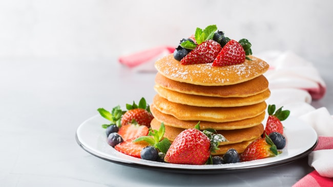 Keto pancakes that clock in under 300 calories. Image: iStock.