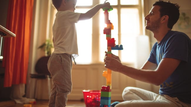 Sure, this dad thing is easy. Photo: iStock