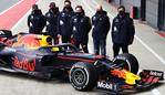 NORTHAMPTON, ENGLAND - FEBRUARY 24: Sergio Perez of Mexico and Red Bull Racing, Max Verstappen of Netherlands and Red Bull Racing, Alexander Albon of Thailand and Red Bull Racing, Red Bull Racing Team Principal Christian Horner, Adrian Newey, the Chief Technical Officer of Red Bull Racing and Pierre Wache, Chief Engineer of Performance Engineering at Red Bull Racing pose for a photo with the RB15 during the Red Bull Racing Filming Day at Silverstone on February 24, 2021 in Northampton, England. (Photo by Mark Thompson/Getty Images for Red Bull Racing)