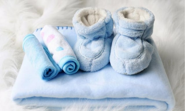 Experts warn parents about polar fleece for babies