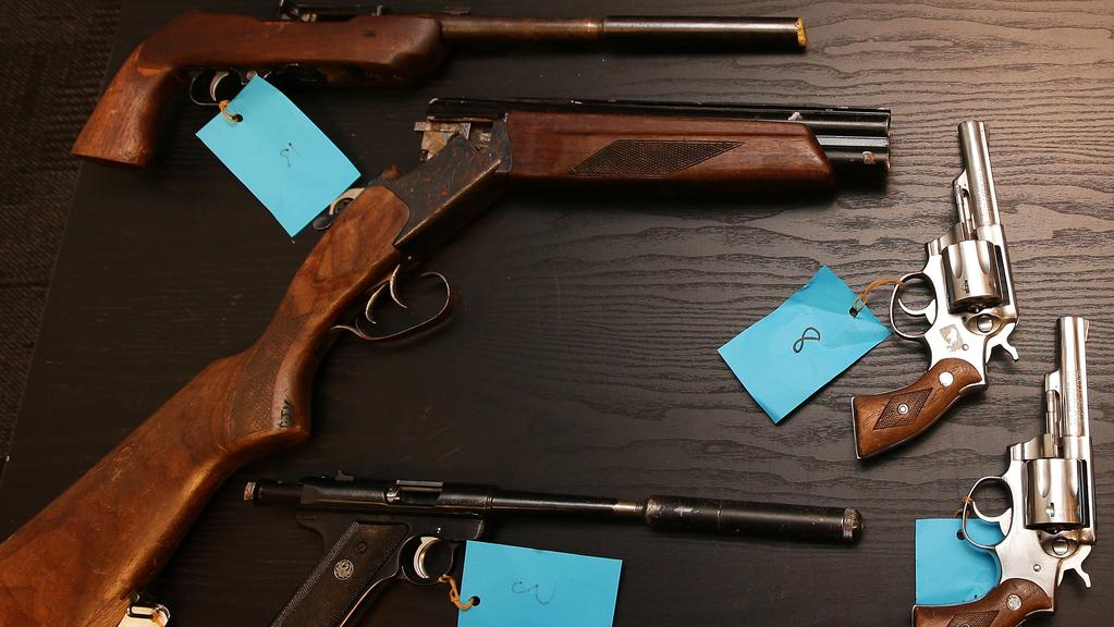 Illegal firearms flooding into Victoria as black market guns