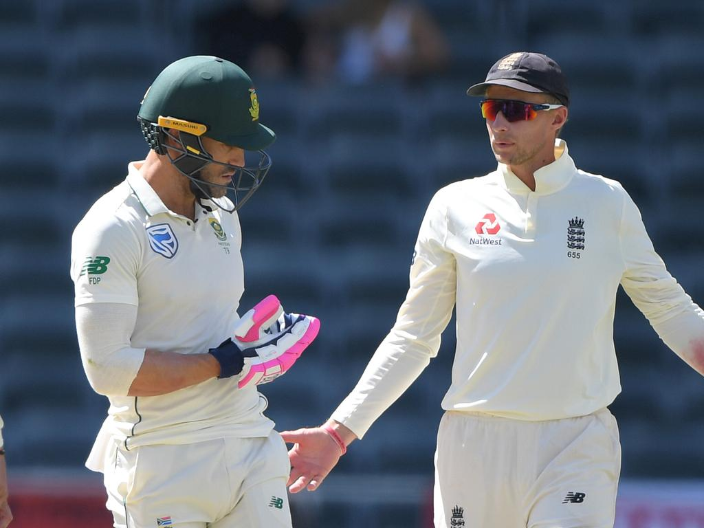 South Africa v England - Fourth Test: Day 4