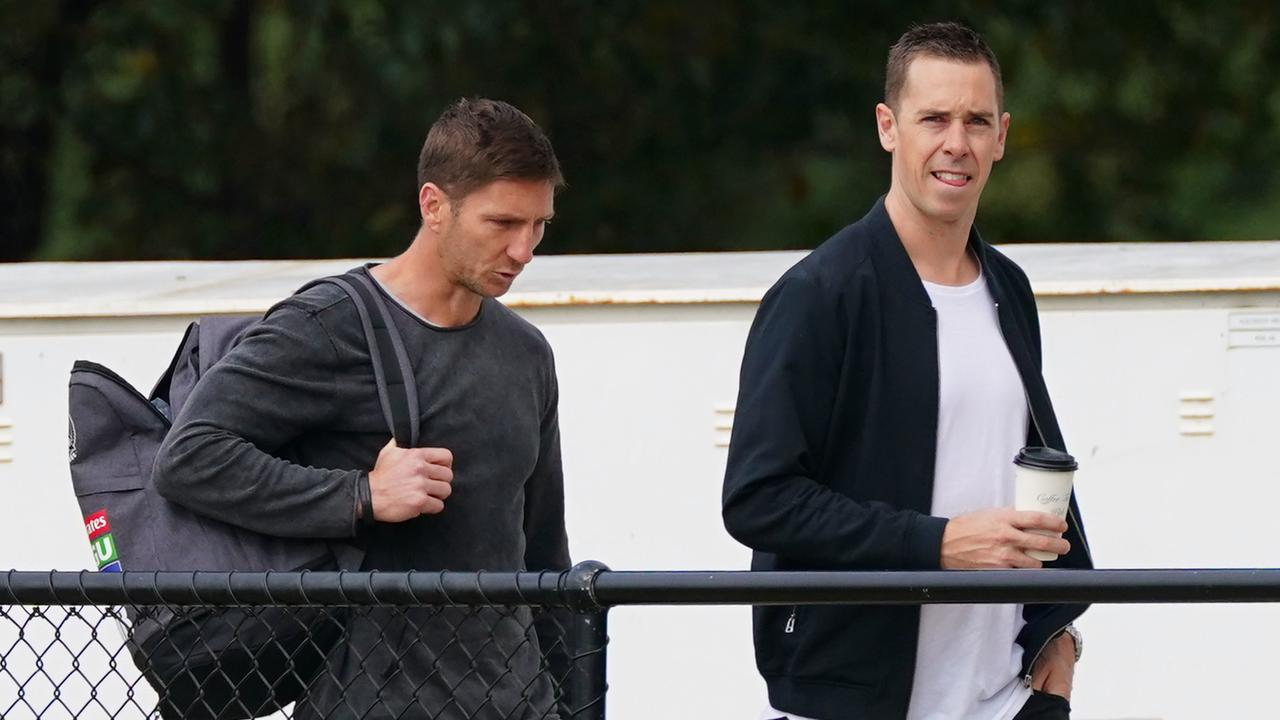 Collingwood assistants Matthew Boyd and Nick Maxwell. (AAP Image/Scott Barbour)