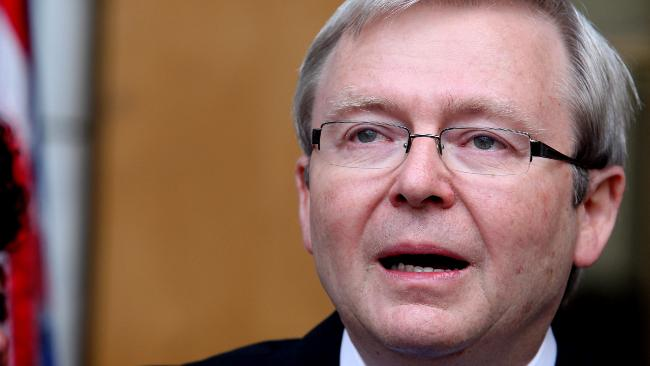 7a4cccd1eca26 A tearful Kevin Rudd delivers his final speech as PM in front of his wife  and
