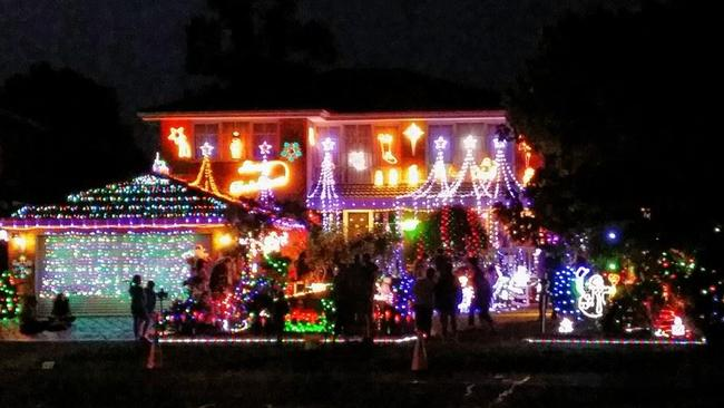 the wantirna south home in all its christmas glory