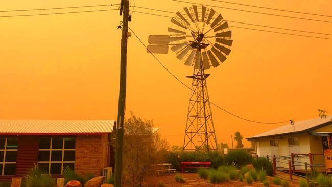 Charleville dust storm, QLD weather: Severe thunderstorm warning   The Mercury