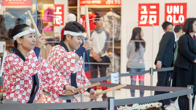 Japanese retailer Uniqlo, like H&M and Zara, is making the big names panic.