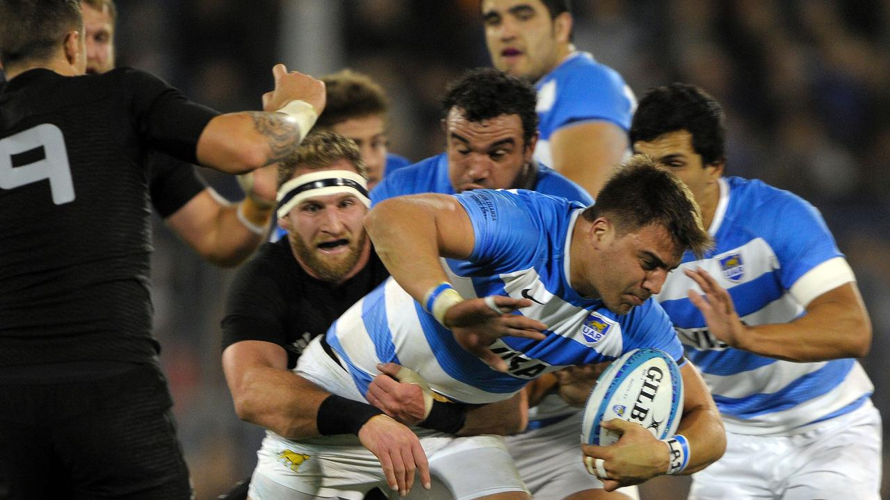 Argentina's Los Pumas N8 Facundo Isa (C) has been included in their extended World Cup squad despite playing in France.