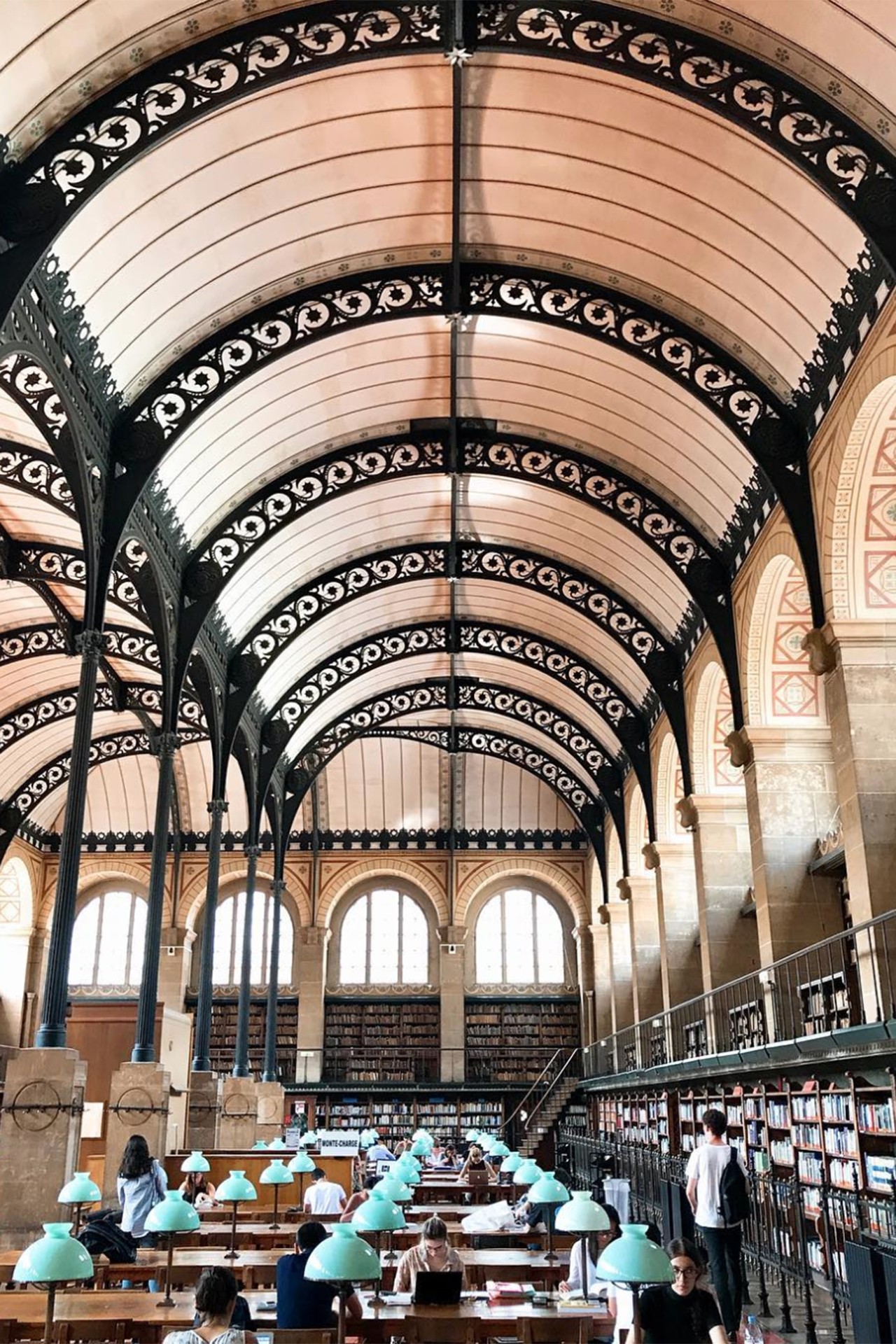 23 of the most incredible libraries around the world