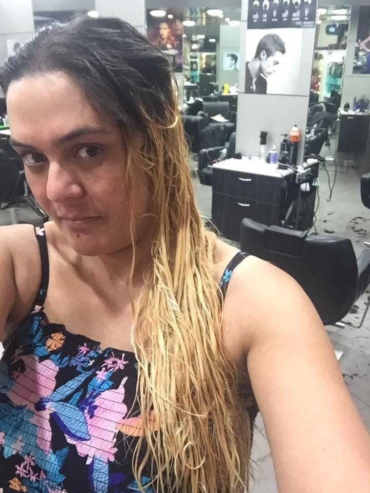 Mum Who Received Trailer Trash Hair In Salon Gets A New Look For
