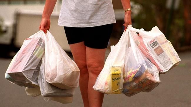 23610a5336 Woolworths, Coles to ditch free plastic bags over next 12 months