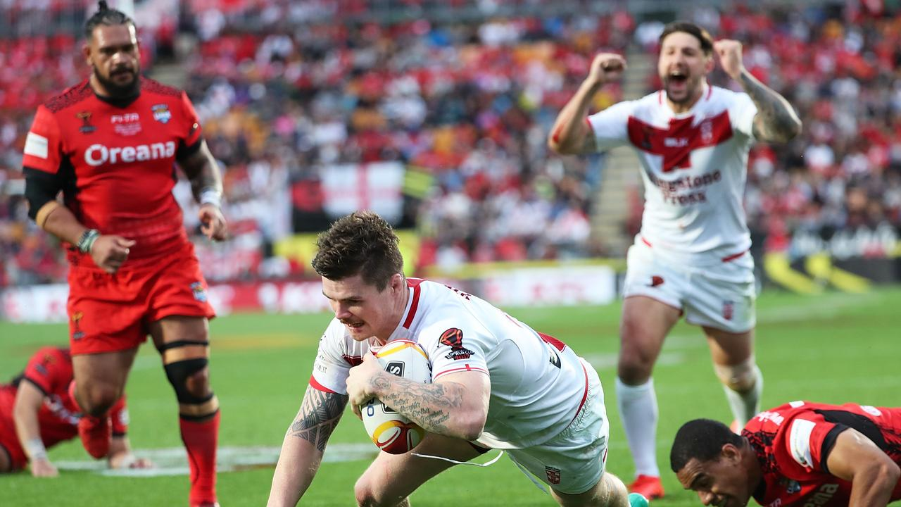 John Bateman of England scores a try during the 2017 Rugby League World Cup Semi Final match between Tonga and England