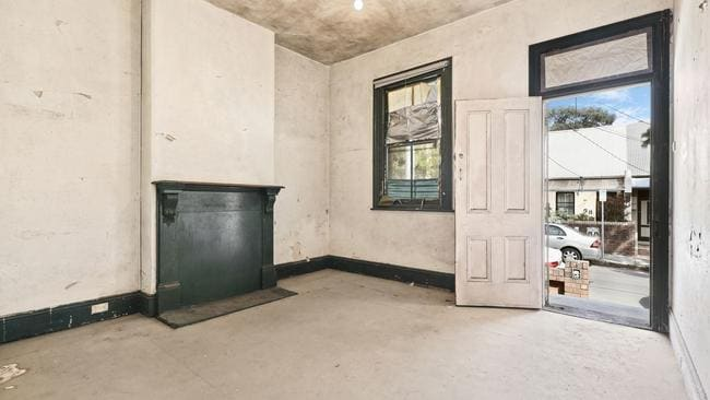 The price guide is around $1.35m.