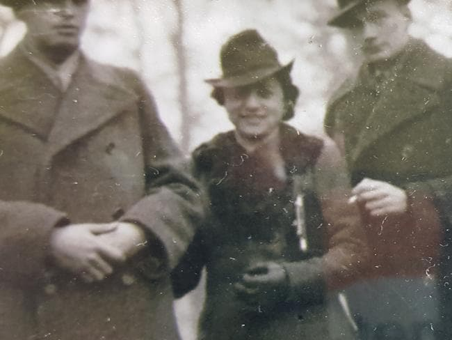 Lena Midler (centre) with her boyfriend Simon Rosenkranz (left) who was sent off to Treblinka by the Nazis.