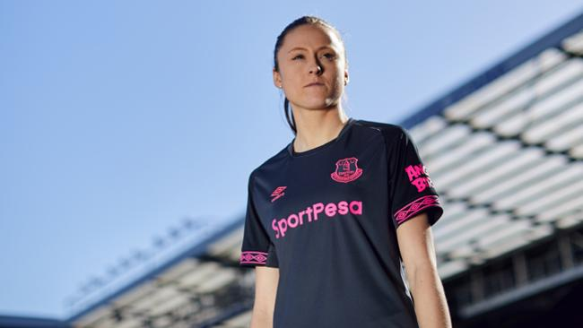 official photos ef618 fc683 Everton launch 2018/19 home and away strip using ladies ...
