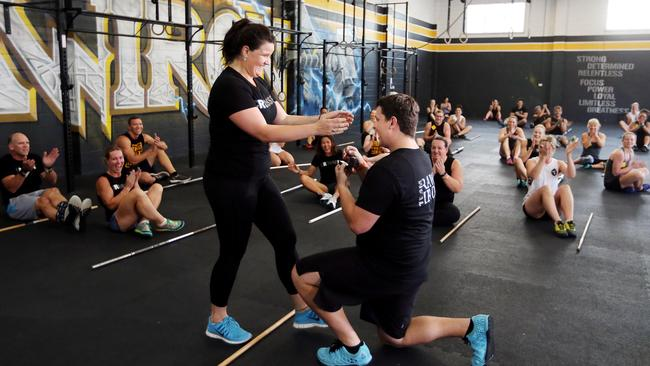 crossfit dating australia Finished your free intro class or already have previous crossfit experience if yes, you are now ready for your 2 week trial this trial is a 2 week unlimited membership to crossfit devour for just $25 (total value $110) this will allow you to take advantage of all our crossfit classes, as well as our weightlifting classes.