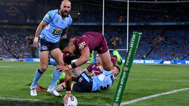 Valentine Holmes scores a spectacular and controversial debut Origin try.