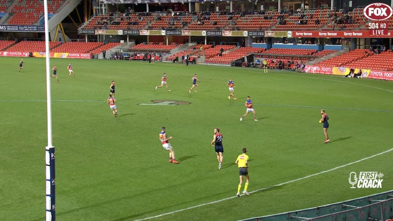 Nathan Jones is open in the left corner of screen with no defenders behind him, with Salem only needing to hit a connecting kick on the 50 metre arc to get him the ball.