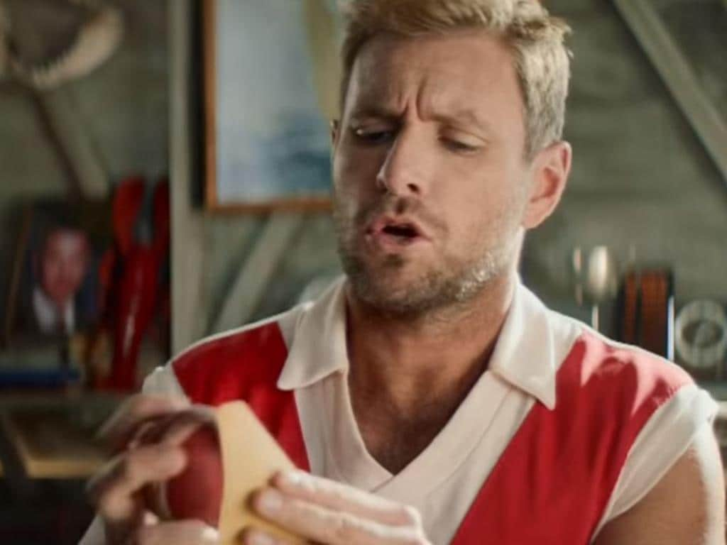 Foster's has taken a cheeky dig at the Australian men's cricket team in a UK commercial.